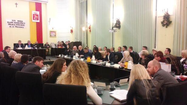 Radni wybrali nowego burmistrza Karolina Wiśniewska/ tvnwarszawa.pl