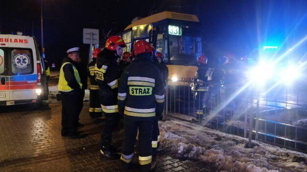 Wypadek na Bielanach. Kobieta wpadła pod tramwaj