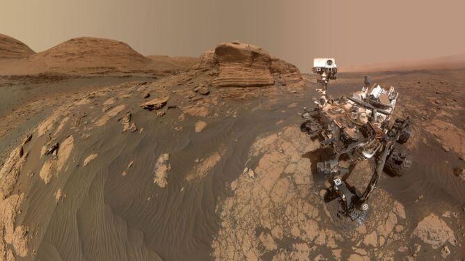 Co słychać u Curiosity? Łazik ma się dobrze. Na potwierdzenie wysłał niezwykłe selfie z Marsa