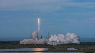 Falcon 9 wystartował. Wyniósł w kosmos aparaturę, przy której pracowali Polacy