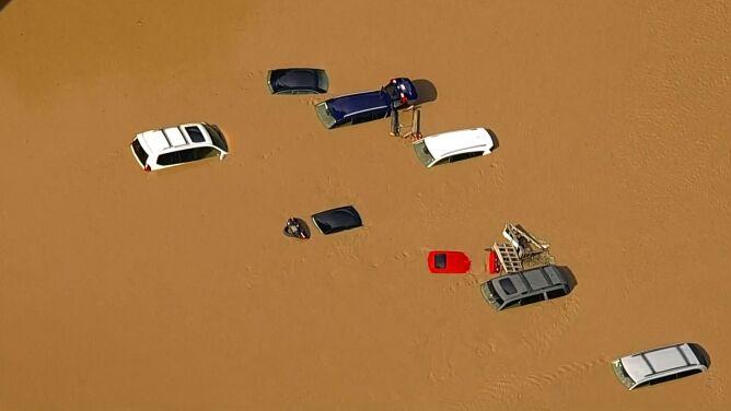 Tornada, wichury i powodzie. Co najmniej pięć ofiar śmiertelnych Izajasza
